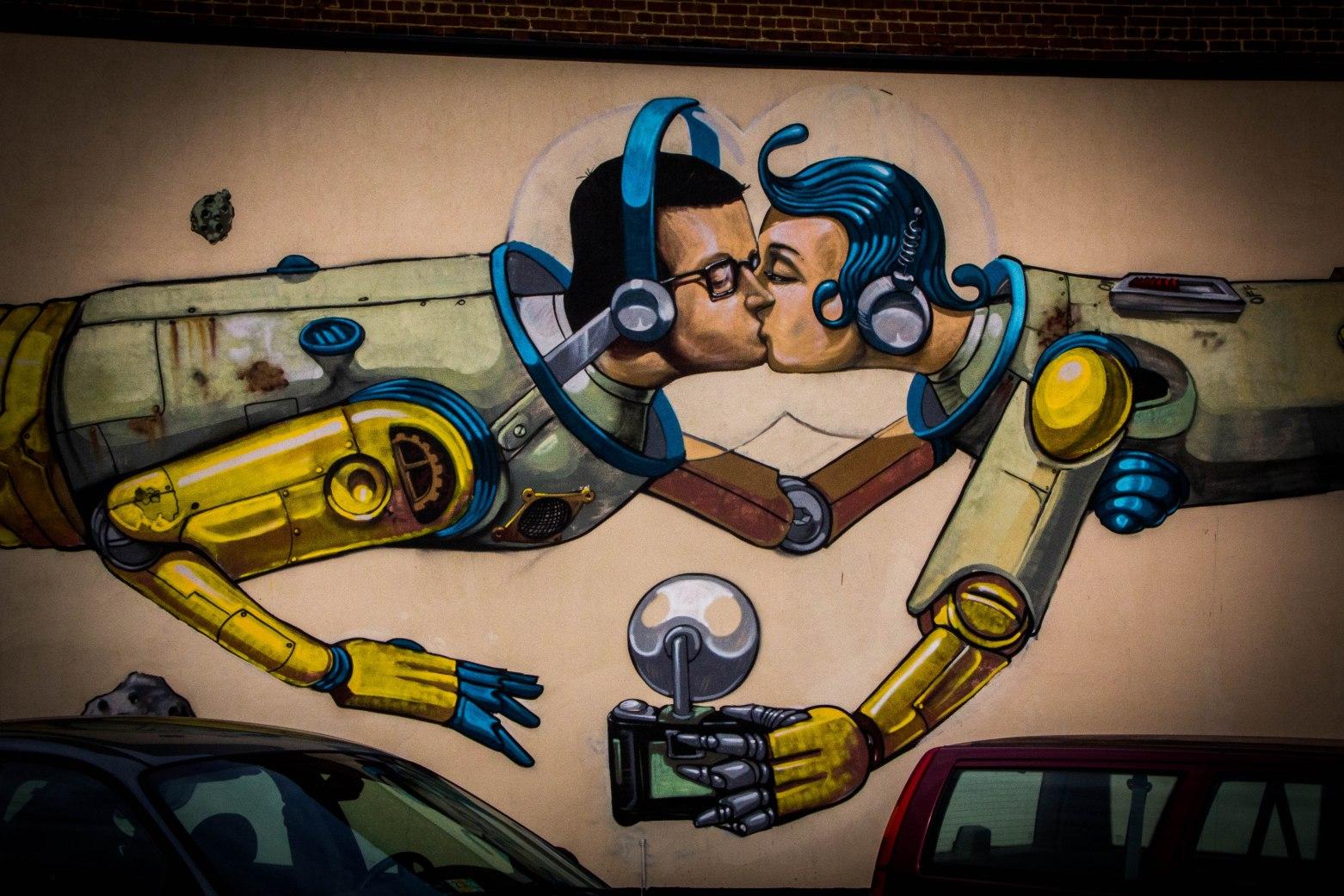 KissingRobotMural